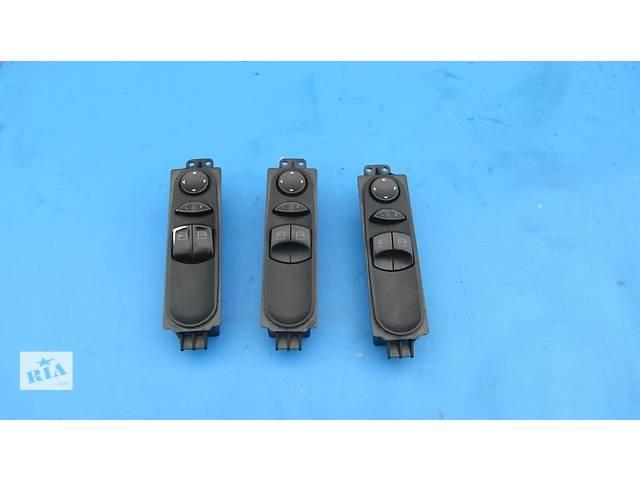 купить бу Блок (кнопки) стеклоподъемников Mercedes Sprinter 906 315 2006-2012г в Ровно
