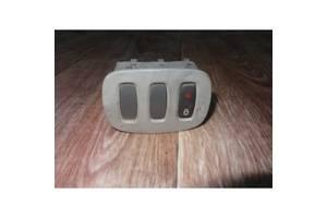 Блок кнопок обігріву заднього скла і центрального замка Опель Віваро