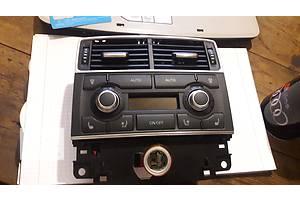 Блоки управления печкой/климатконтролем Audi A8