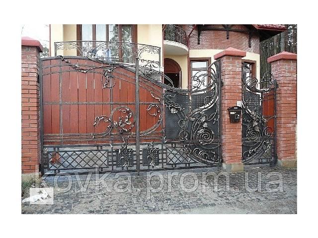 продам Кованые распашные ворота с калиткой, с элементами дерева, код: 01035 бу в Ладыжине