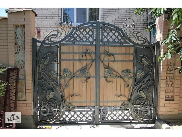 купить бу Кованые распашные ворота с элементами дерева в Ладыжине