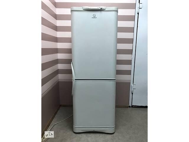 купить бу Холодильник двокамерний Indesit - C132G, 240л, 60x66.5x167 см в Києві