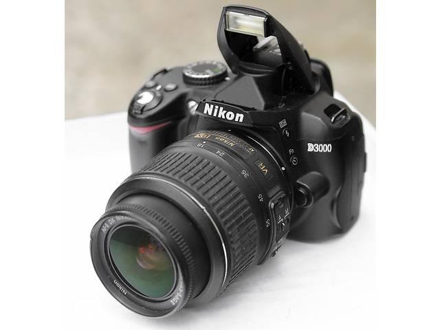 купить бу Nikon D3000 + объектив в Хмельницком