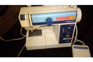 Продам японскую швейную машинку Мини-Ягуар б/у