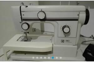 Швейна машинка Germany шкіра