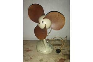 Вентилятор настільний 1956 року