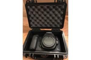 Нові Цифрові фотоапарати Canon EOS 5D Mark II Kit (24-105)