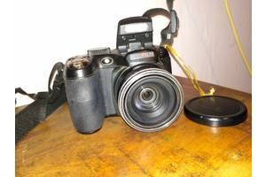 б/у Цифровые фотоаппараты Fujifilm FinePix S2800HD