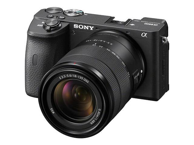 бу Фотоаппарат SONY Alpha a6600 + E 18-135 mm f/3.5-5.6 OSS (ILCE6600MB.CEC) в Киеве