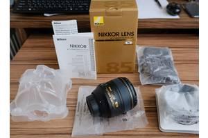 Нові Портретні об'єктиви Nikon