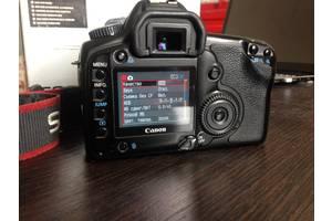 б/в Професійні фотоапарати Canon