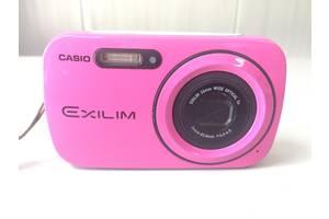 б/у Компактные фотокамеры Casio