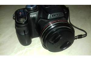 б/у Цифровые фотоаппараты Panasonic DMC-FZ45 Black