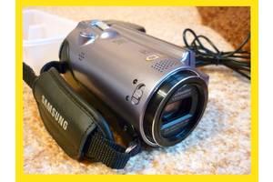 б/в Професійні відеокамери Samsung HMX-H200