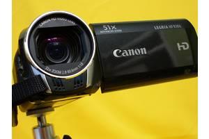 б/у Аналоговые видеокамеры Canon