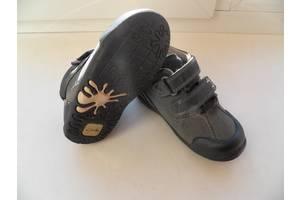 б/у Детские демисезонные ботинки Clarks