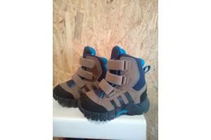 Новые Детские демисезонные ботинки Adidas