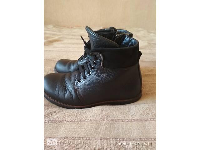 продам Шкіряні черевички для хлопчика 35 р бу в Рівному