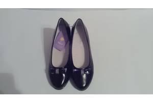 Нові Дитячі туфлі для дівчаток
