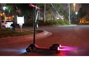 Детский самокат с турбиной и светящимися колесами музыкой и Bluetooth
