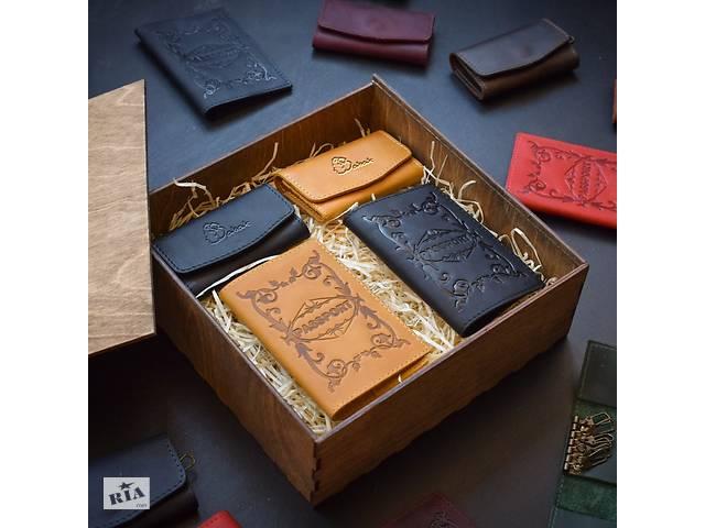продам Набор кожаных аксессуаров Babak Mr & Mrs кемел, черный бу в Киеве