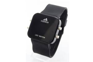 Нові чоловічі наручні годинники Adidas