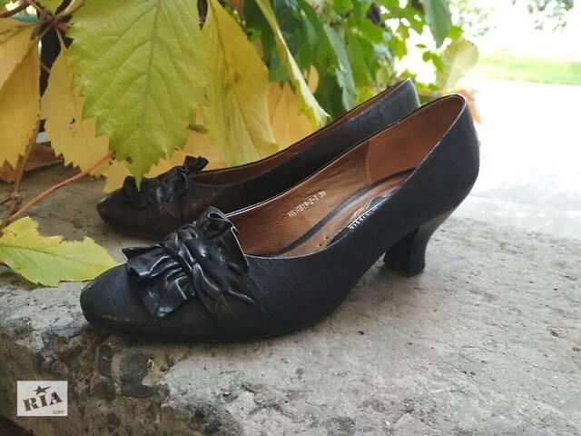 Черные туфли Djovannia, натуральная кожа. Шкіряні чорні туфлі- объявление о продаже  в Дніпрі (Дніпропетровськ)