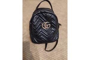 Gucci рюкзак в хорошем состоянии