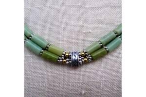 Колье, серьги - зеленый коралл