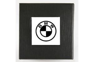 Коробочка с логотипом BMW