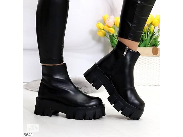 купить бу Кожаные женские ботинки на платформе в стиле Prada (весна-осень) 39р-25 см в Ровно