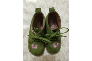 Модные замшевые ботиночки для девочки б/у размер 27
