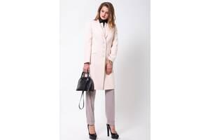 Пальто жіноче світле