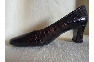Продам туфли женские кожаные р.38