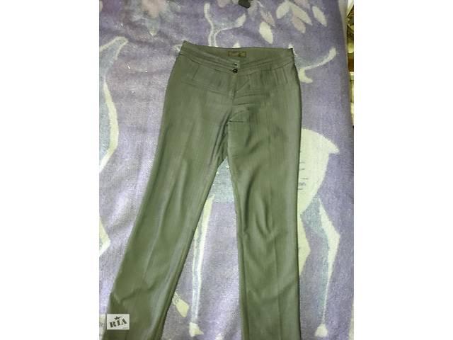 Продам жіночі класичні брюки - Жіночий одяг в Рівному на RIA.com 70ae3fe147cdc