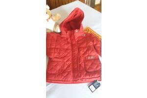 РОЗПРОДАЖ  ЗІ  СКЛАДУ: Продам  курточки весняні  червоні з  капюшоном,  1.5-2.рокі  зріст  86см