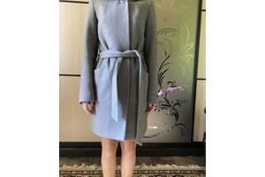 Сіре жіноче пальто