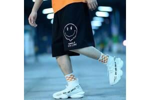 Стильные спортивные шорты с принтом