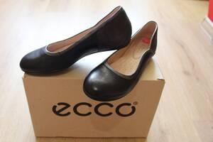 Туфли ECCO для девочки кожаные 38 р. Новые