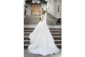 b56db73d308c61 б/в Сукні і сарафани Добавить фото · Весільна сукня pollardi. Красиве  розкішне плаття, кольору айворі.