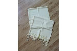 Желтый шарф, платок , палантин