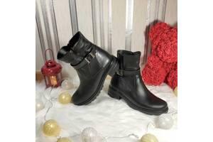 Женские кожаные ботинки 00656