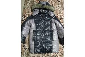 Зимняя теплая куртка курточка мальчику 130-150см почти новая удлиненная модная пуховик на сильные морозы снежную погоду