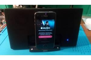 Iphone 4s 16гб Neverlock в комплекте с док станцией