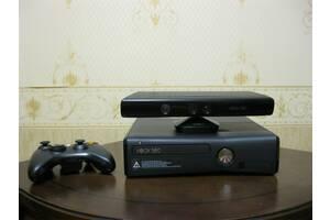 Продается развлекательная видеосистема XBOX 360 S + KINECT