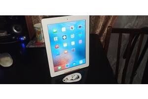 Продам Apple iPad 2 Wi-Fi 32 GB,Чистый iCloud+кабель.