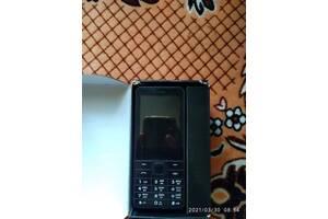Продам телефон  Nomi i 282