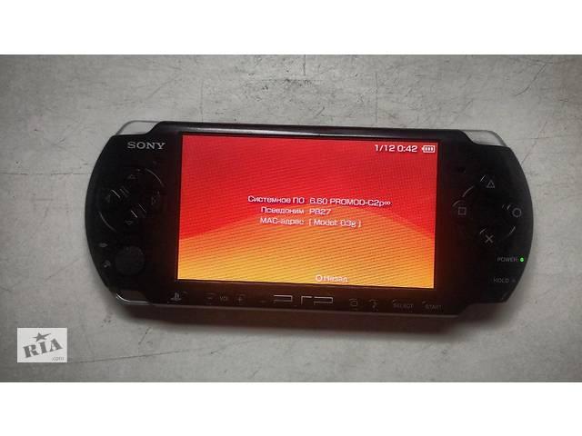 продам Приставка Sony PSP 3002 + 2 чехли + зарядка + 4 гб память бу в Ровно