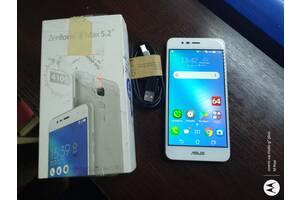 Смартфон ASUS ZenFone 3 Max (ZC520TL) Android 7.0/4ядра ,2GB/16GB LTE из США/2сим.Новый !4000mAh