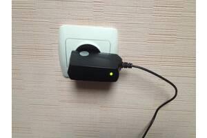 Зарядное устройство Avalanche ACH-002 / micro USB